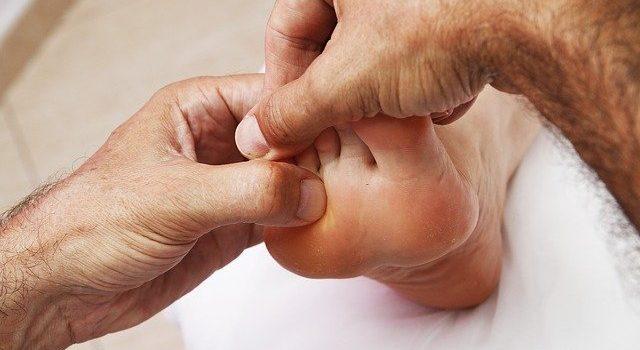 Comment faire un bon massage des pieds ?