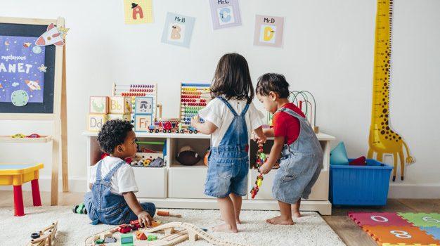 Comment occuper ses enfants pendant le confinement avec un loisir créatif ?