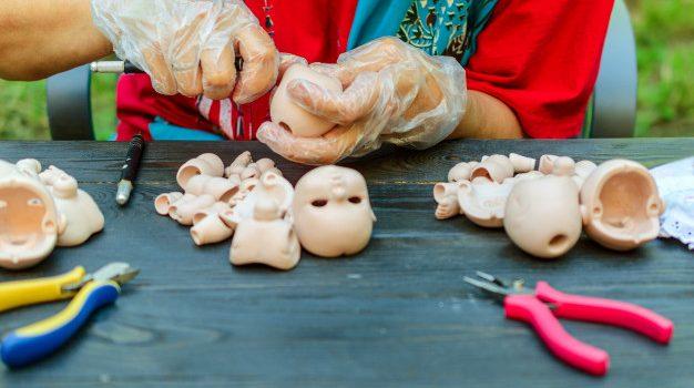 Comment faire une poupée bébé reborn ?