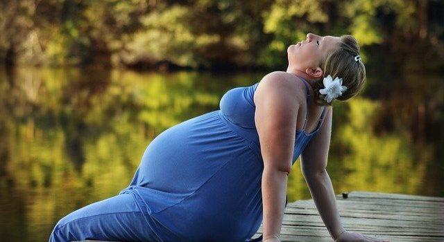 Ballon de grossesse : à quoi ça sert, quels exercices?